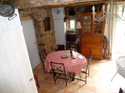 Salle à manger pour 4 personne dans le gite à Roz sur Couesnon